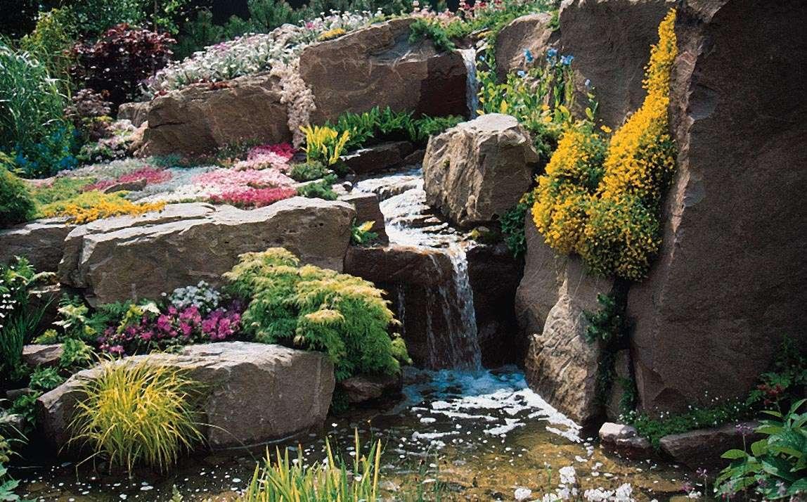 sztuczne skały w ogrodzie